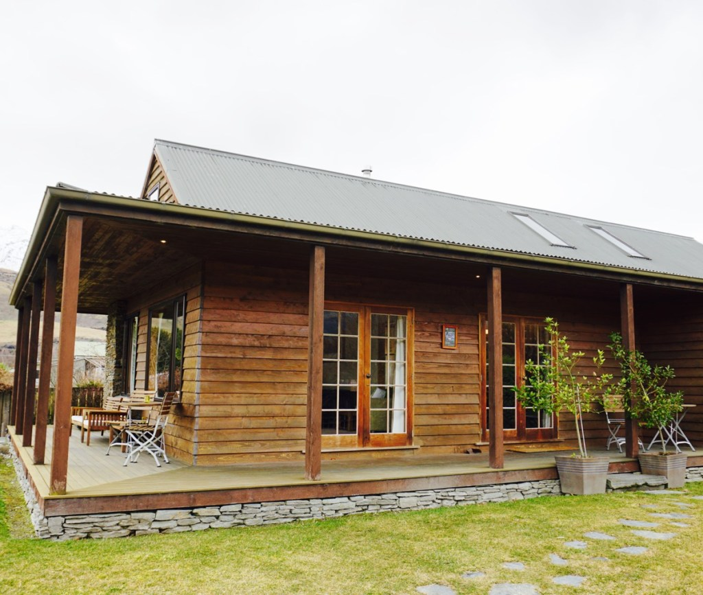 A Seriously Cosy Stay at Glenorchy Lake House