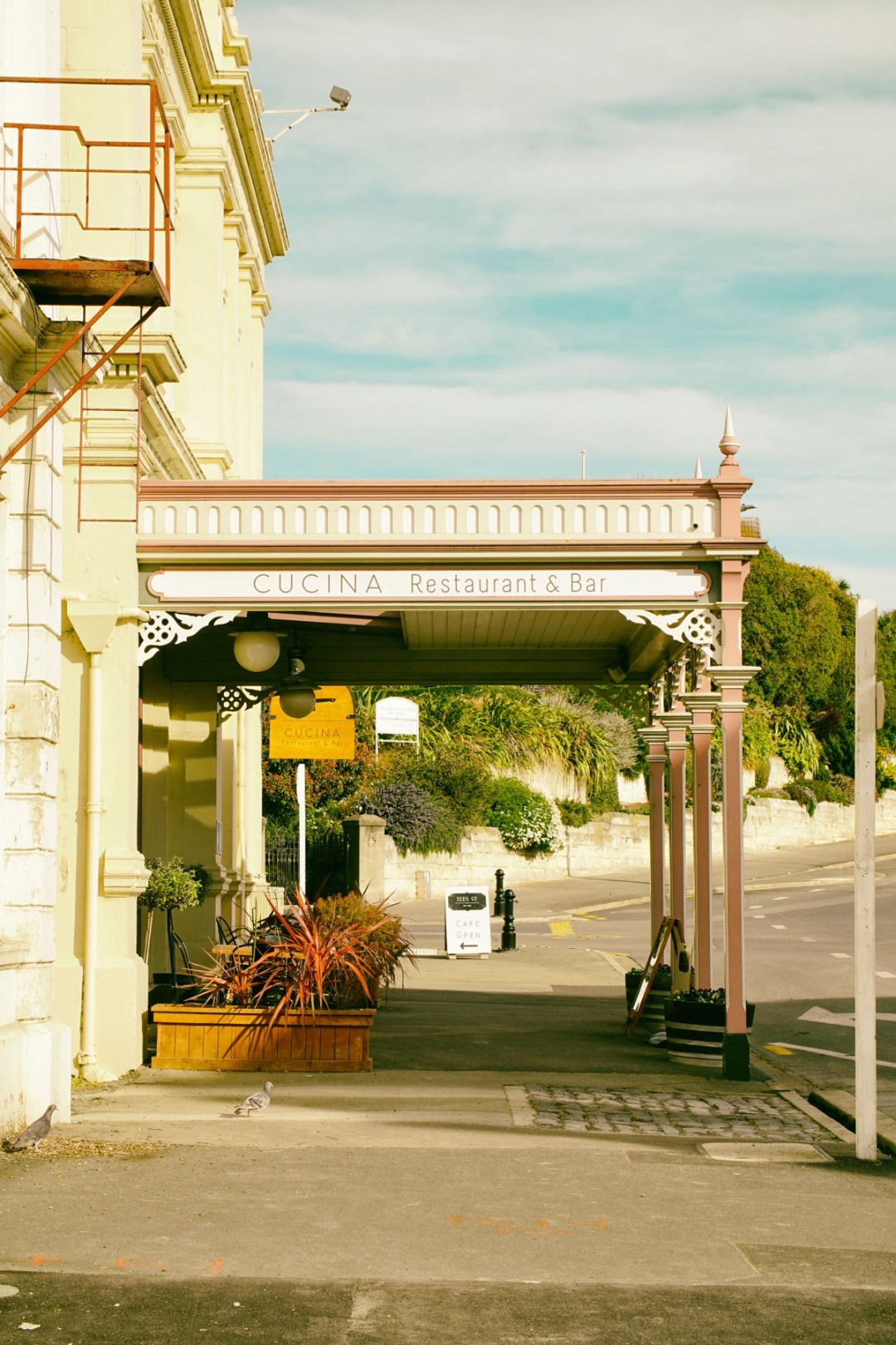 Oamaru and visiting in Summer