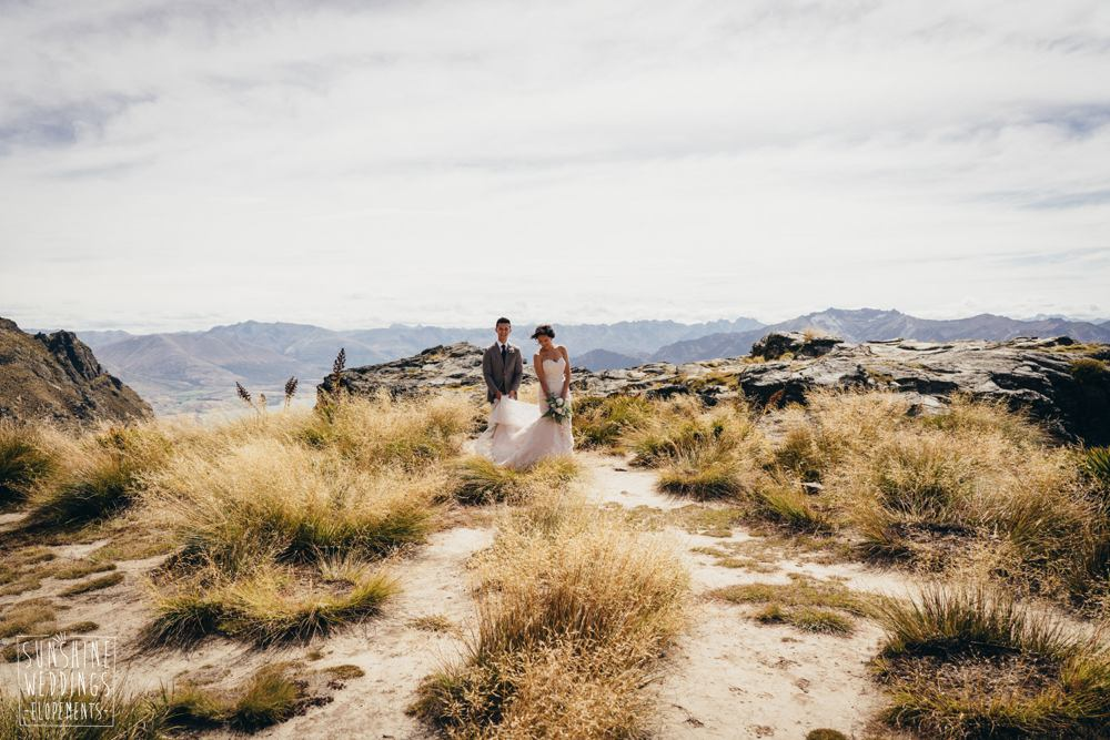 heli wedding planner and photographer