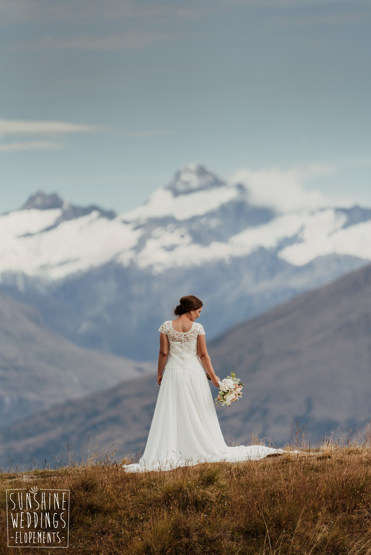 bride mountain wedding wanaka