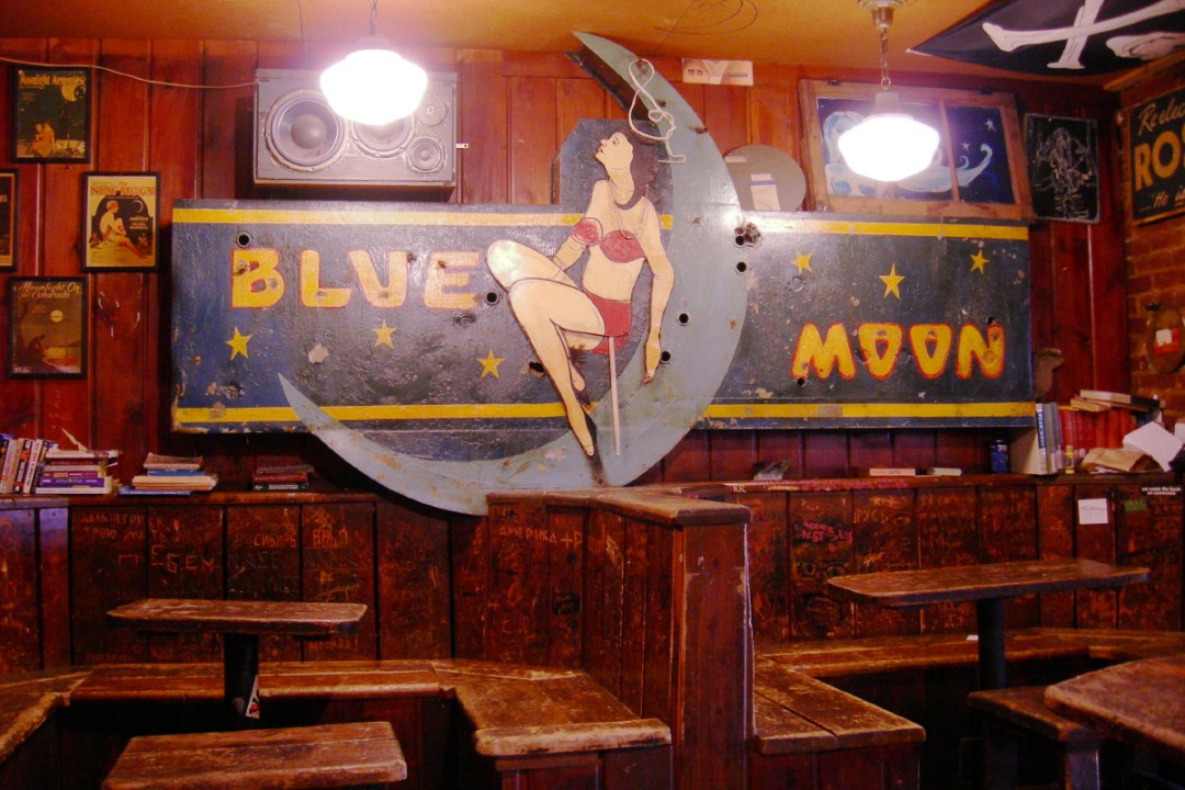 Blue Moon Tavern