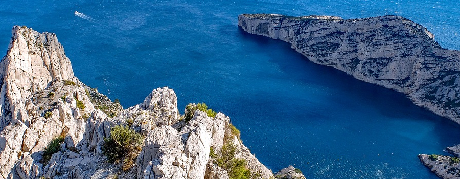 Visiter les calanques de Marseille en famille