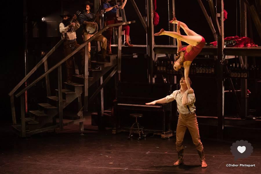cirque Eloize - Saloon