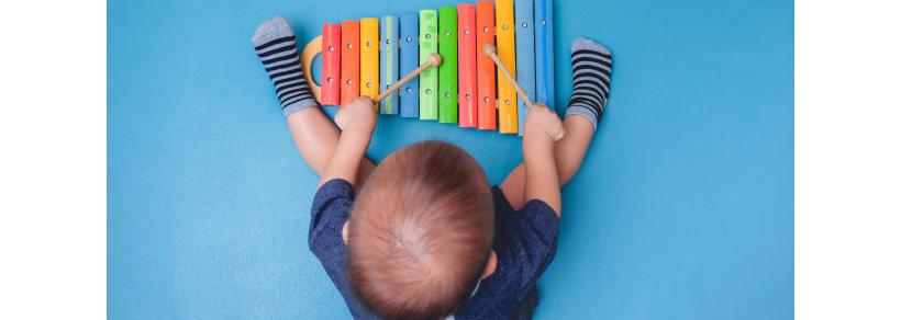 Eveil musical bébé A Little Family