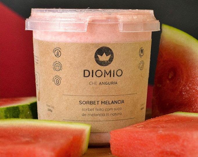 Foodtech cria gelato de espumante com frutas vermelhas