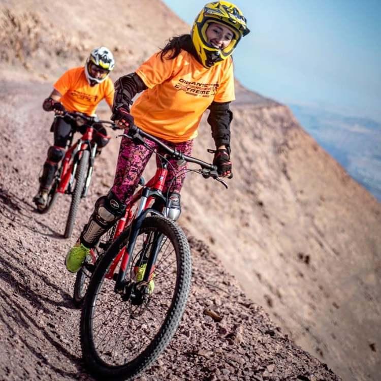 tours cerro tarapaca en bicicleta