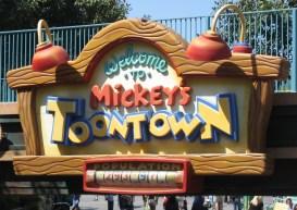 Disneyland-toontown_sign