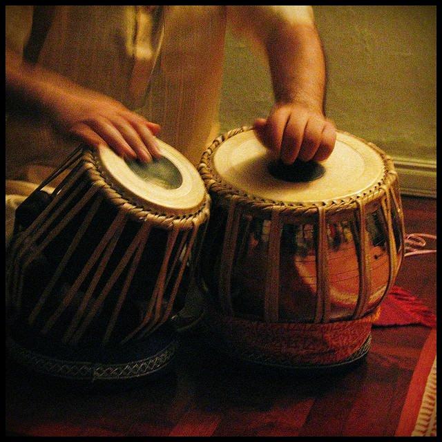 Música India: Concerto de Vikas e Rajib