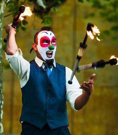 Payaso loco. Espectaculo circense clown