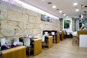 Restaurante Vinoteca Época, fusión peruana – gallega