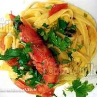 Tagliolini con gambero rosso di Mazara in salsa di capperi