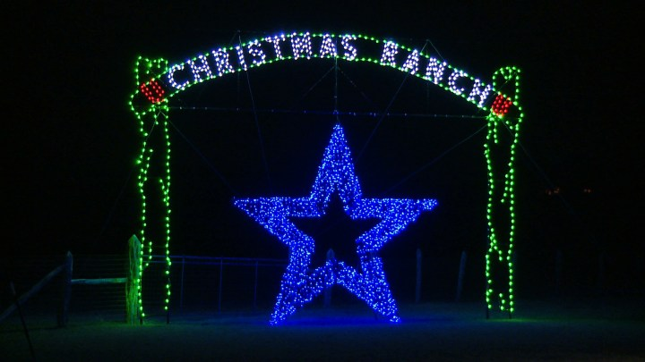 entrance-to-christmas-light-fest