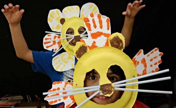 Make Lion Mask Kids Craft - QueMeansWhat.com