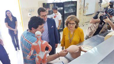 La Corporación GPF también financió equipos para el laboratorio de biología. Foto: Cortesía
