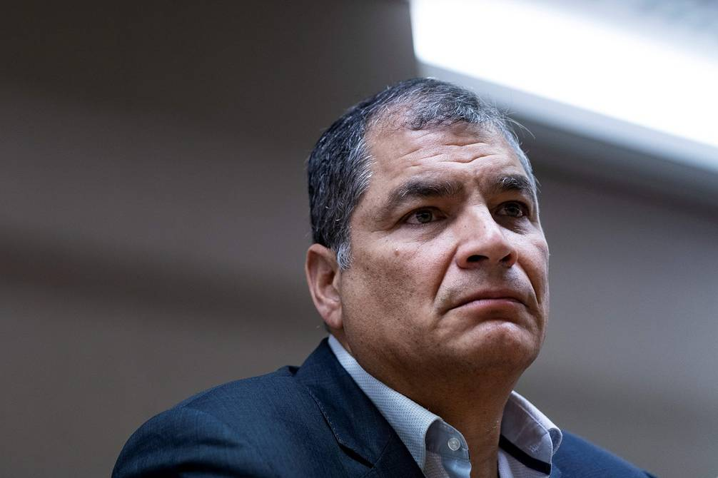 Interpol Rafael Correa