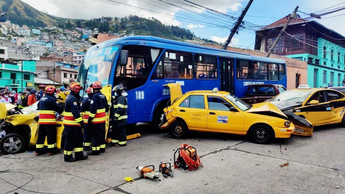 Accidente de tránsito múltiple