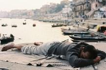 Ektar 100 / 24x36 / Sleeping time - Varanasi