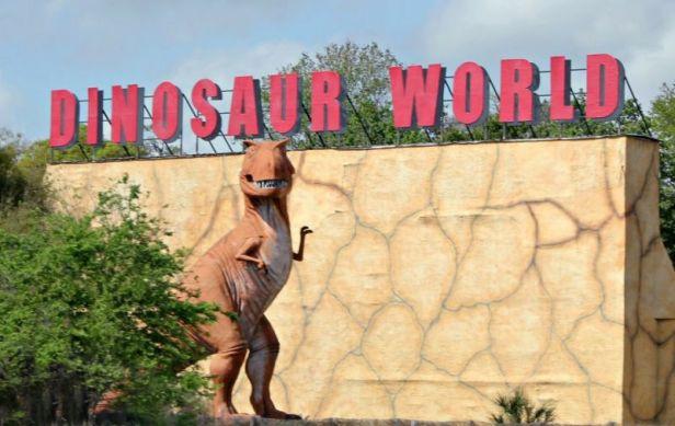 dinosaurworld1