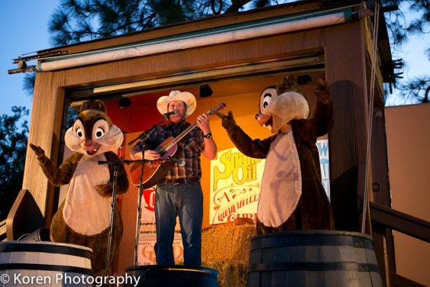 Chip-and-Dale-campfire-3-of-4-