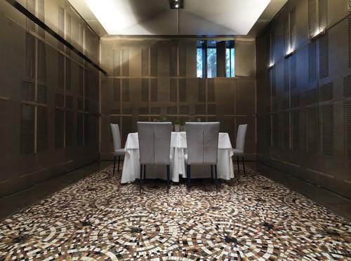Abre sus puertas en barcelona merc s one el restaurante for Puerta que se abre sola
