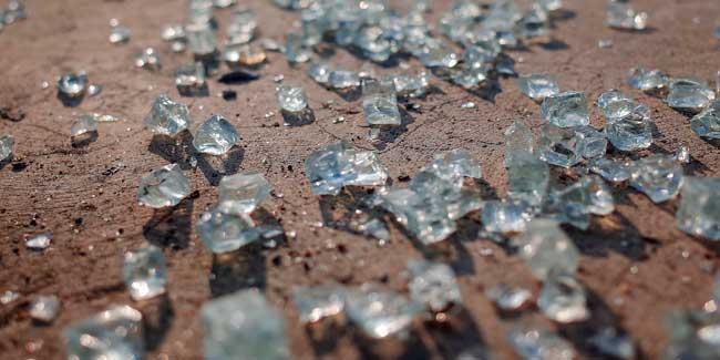Soñar pisando vidrios rotos