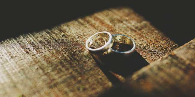 Soñar con anillos de plata