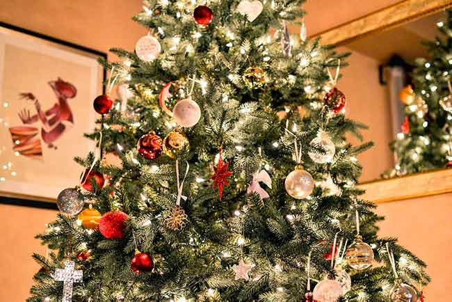 Soñar con arboles de navidad grande
