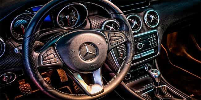 Soñar con auto que se conduce solo