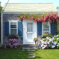 tiny-cottage-nantucket