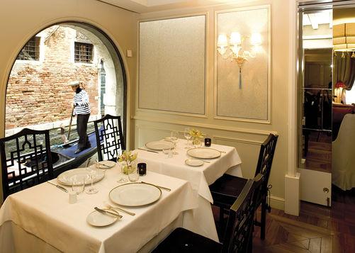 a splendid dining.jpg