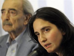 Juan Gelman y Macarena, su nieta recuperada