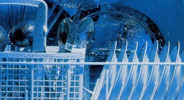 uso-corretto-della-lavastoviglie-012