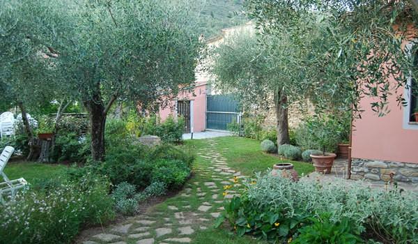 Progettare il giardino 010 questioni di arredamento - Progettare giardino di casa ...