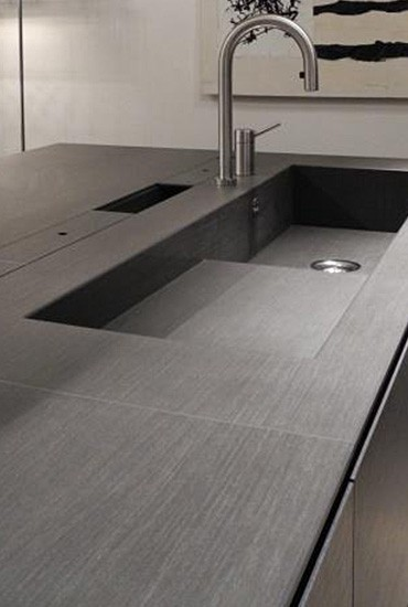 piano-cucina-in-gres-lavello-integrato - Questioni di Arredamento