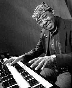 Jimmy McGriff & his Hammond B3 (photo credit: www.discogs.com)