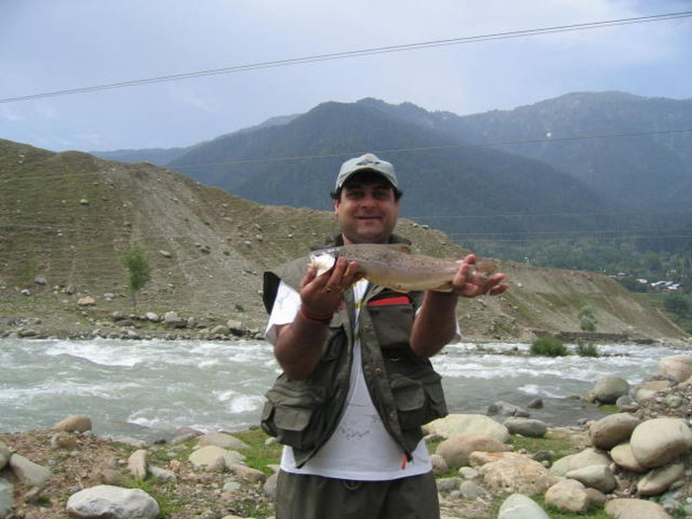 angling-fishing june 05 002