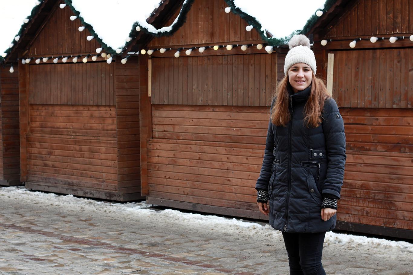 Фото Лаури на різдвяному ярмарку у Львові