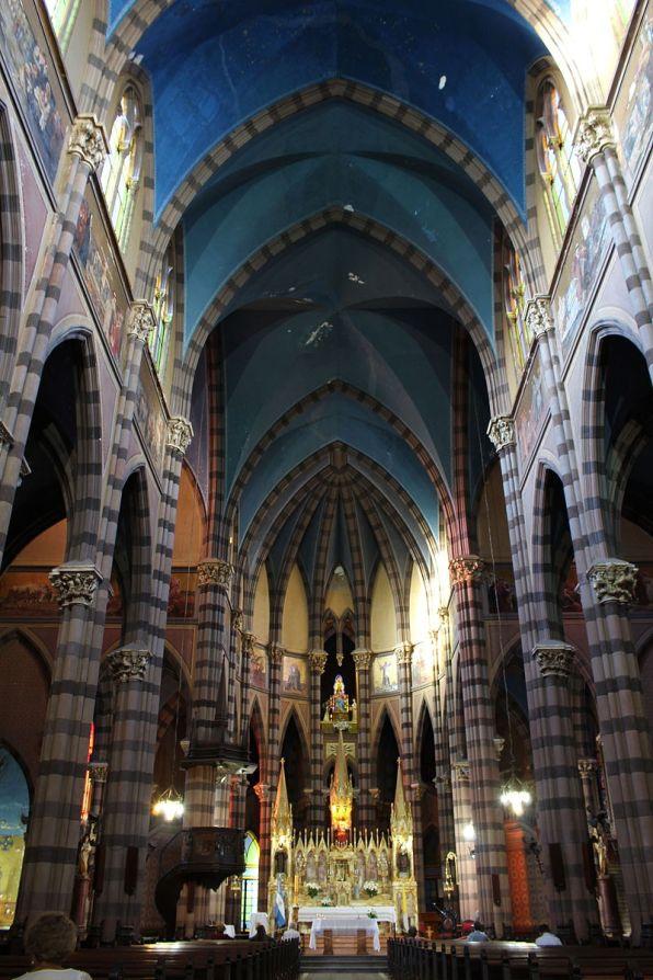 Interior da Iglesia de los Capuchinos