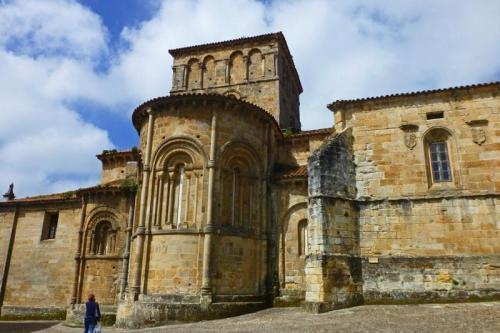 Ábsides de la Colegiata de Santa Juliana en Santillana del Mar