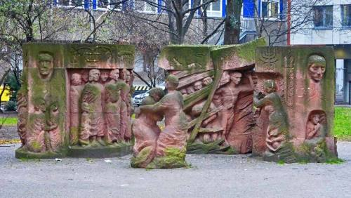 Monumento Block der Frauen en la plaza Rosenstrasse de Berlín
