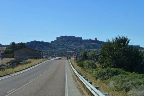 Carretera de acceso a Trujillo