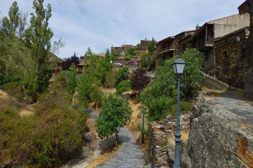 Patones de Ariba, una de las mejores muestras de la arquitectura negra de Madrid