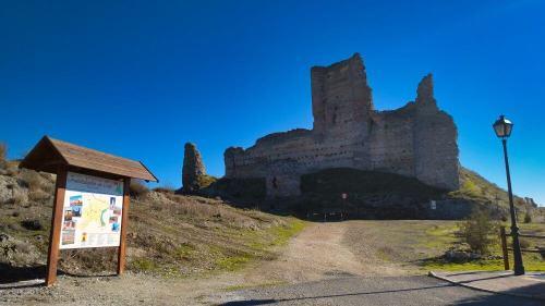 Castillo de Santiago, el principal monumento de Fuentidueña de Tajo