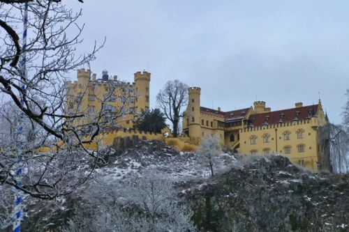 Castillo de Hohenschwangau, construido por el rey Maximiliano II de Baviera