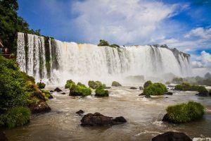Guía con todo lo que hay que ver y hacer en las Cataratas del Iguazú, información, fotos, rutas, horario, precio y cómo llegar