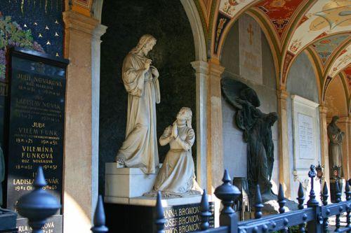 Mausoleos del Cementerio deVyšehrad oCementerio de Slavín.