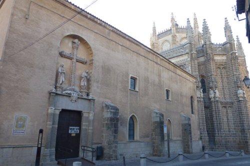 Entrada al Claustro del Monasterio de San Juan de los Reyes