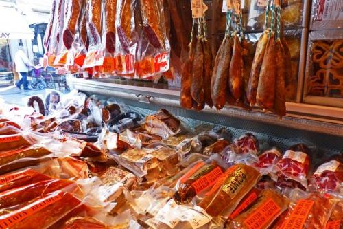 Variedad de embutidos, los productos más típicos de la gastronomía de Salamanca