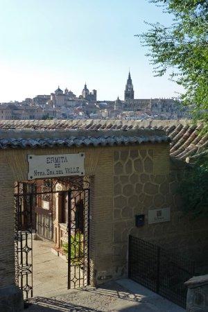 Entrada a la Ermita del Valle, iglesias de toledo