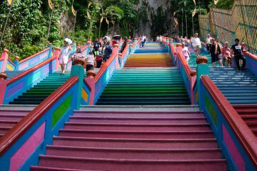 Escalera de acceso a la Cueva de la Catedral